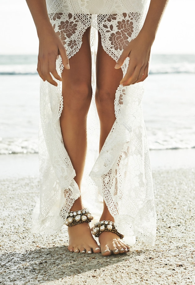 Barefoot-Beach-Brides-Bridal-Musings-Wedding-Blog-1