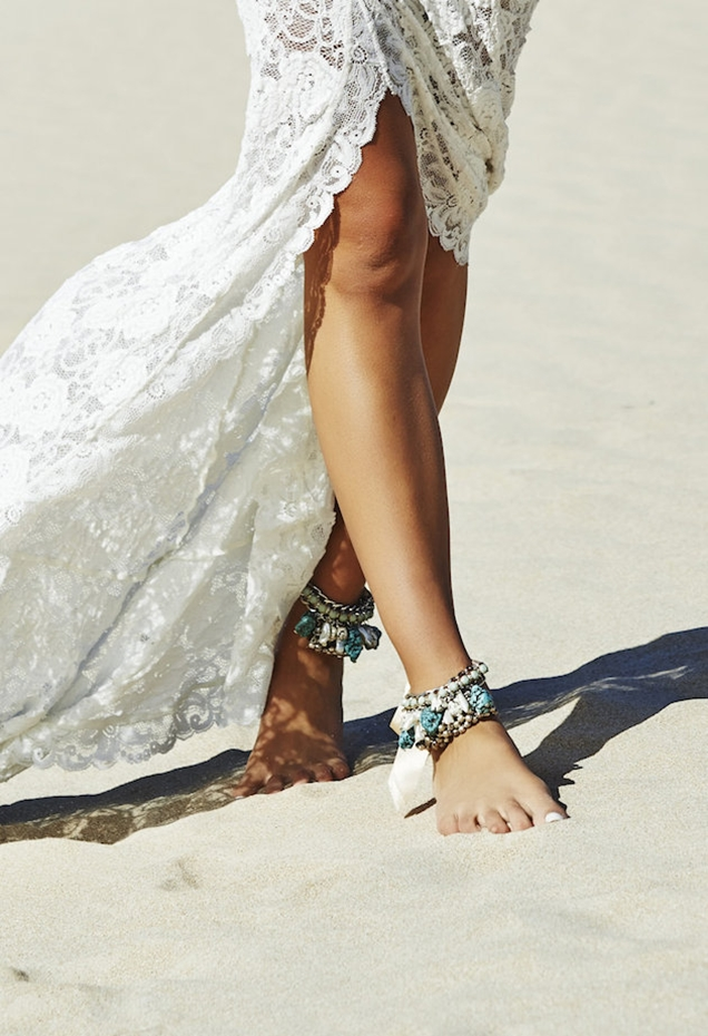 Barefoot-Beach-Brides-Bridal-Musings-Wedding-Blog-3