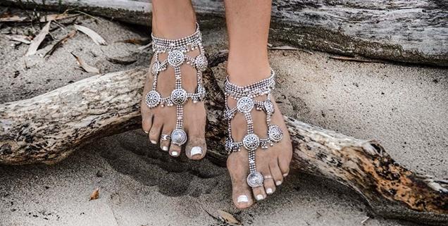 Jewellery-Banner_barefoot-sandals_1024x1024_7a75d1d5-d6ca-4800-a6bf-ec77294f785f
