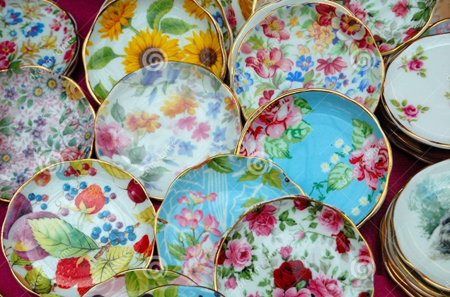 colorful-porcelain-dishes-5627190