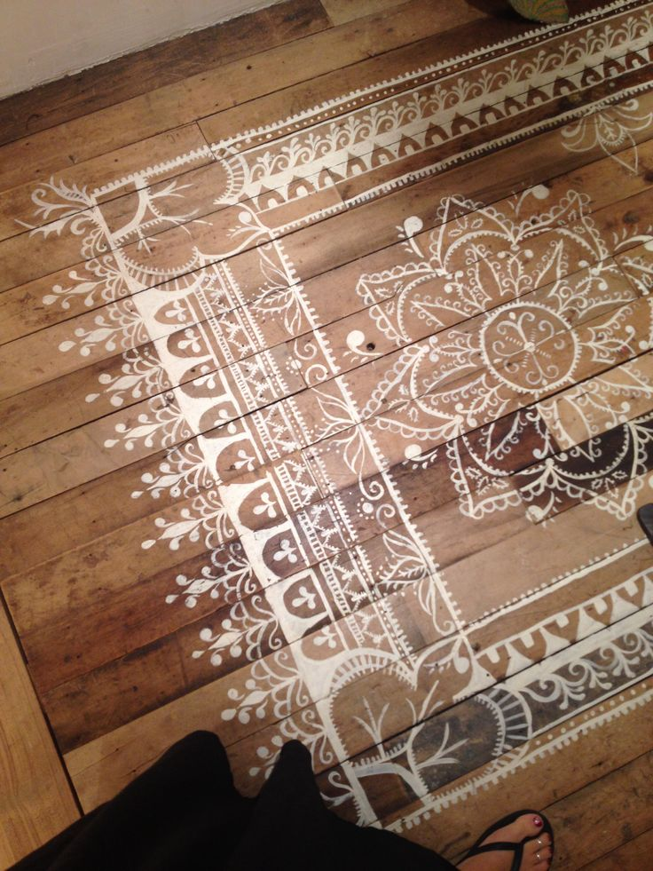 natural-wood-floor-white-faux-rug