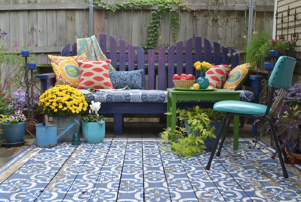 wood-patio-painted-with-stencils-area-rug-look-2-thumb-970xauto-55605